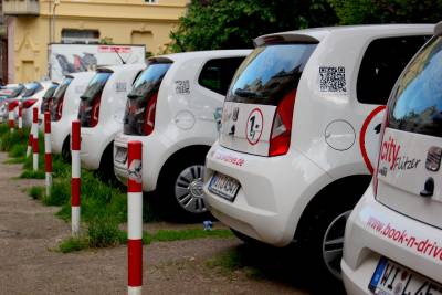 Car-Sharing and Ride-Sharing Services in Germany